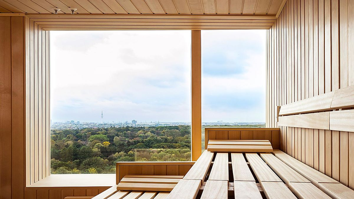 High performance and heavenly relaxation: Sauna and fitness with panoramic views